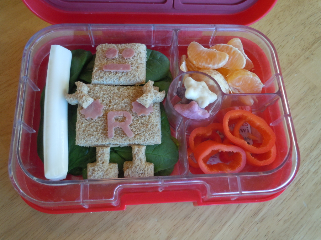 Yumbox Lunch using Robo Bread Cutter