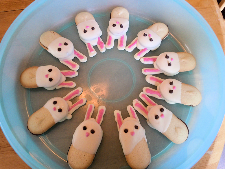 ring of bunnies